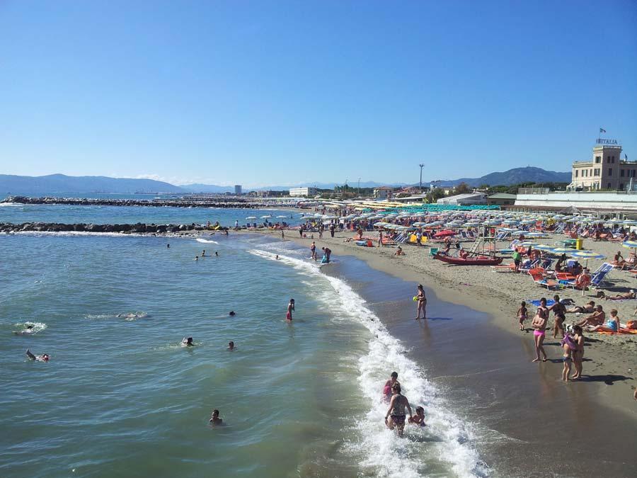 Appartamenti marina di massa mare italia 2017 - Bagno milano marina di massa ...